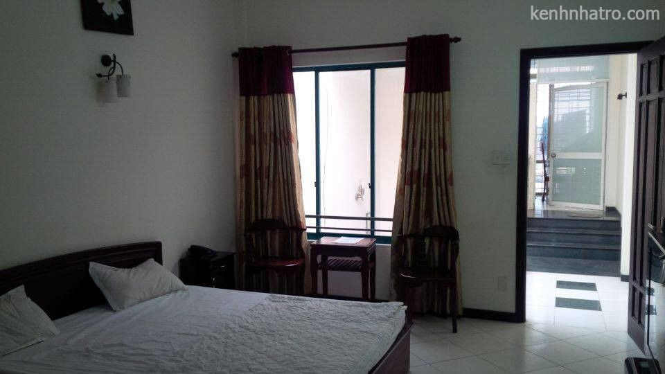 Rooms for rent – near center, market, airport – full service, luxury furniture – 4.500.000 VNĐ/month